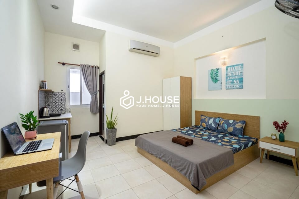 Studio with fully furnished, window, safe & quiet
