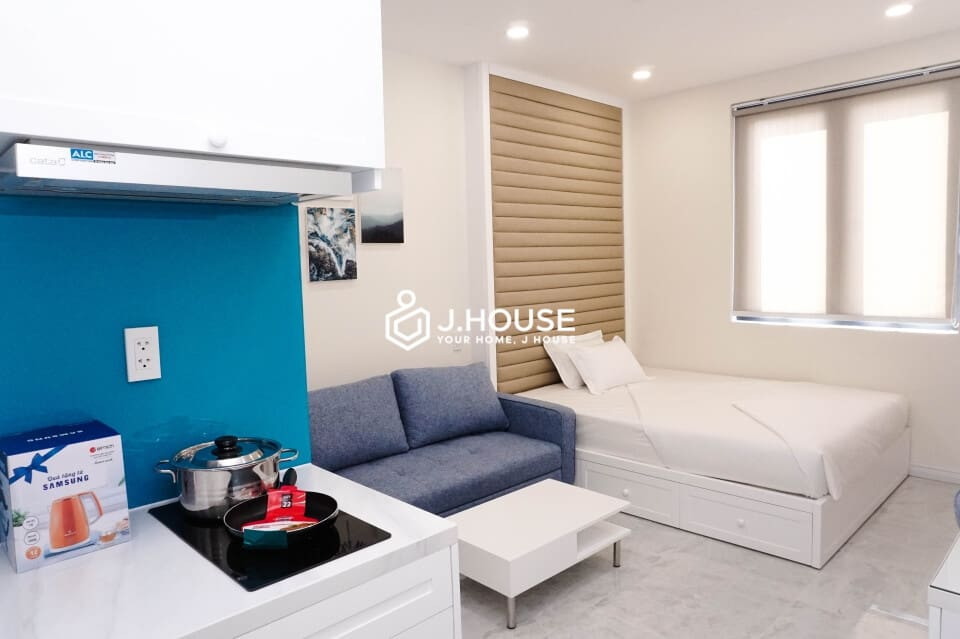 Modern studio apartment natural light in Phu Nhuan District #1