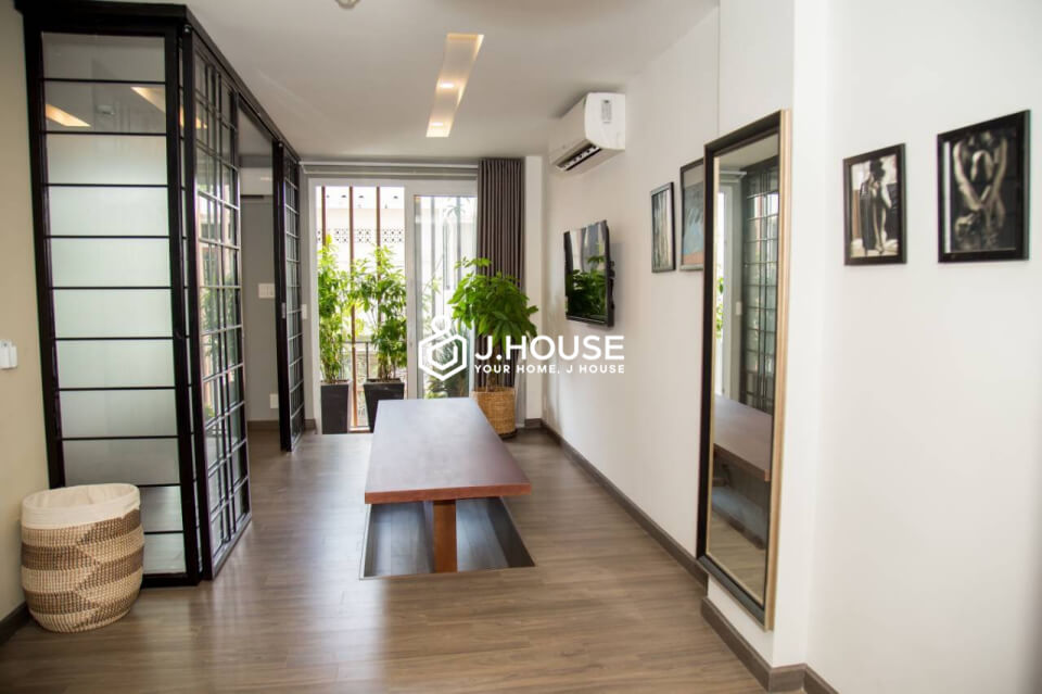 1 bedroom +1 with balcony, comfortable & natural light