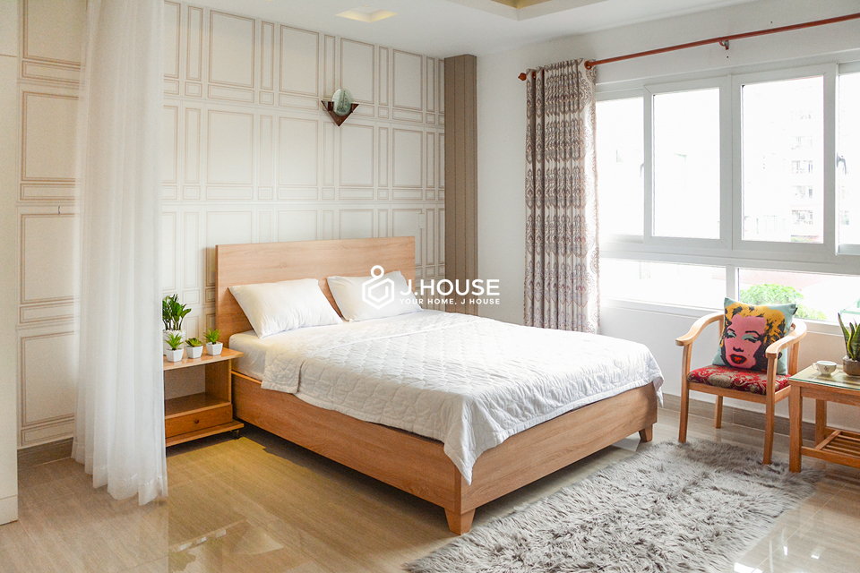 Studio with Landmark81 view in central area of Binh Thanh District