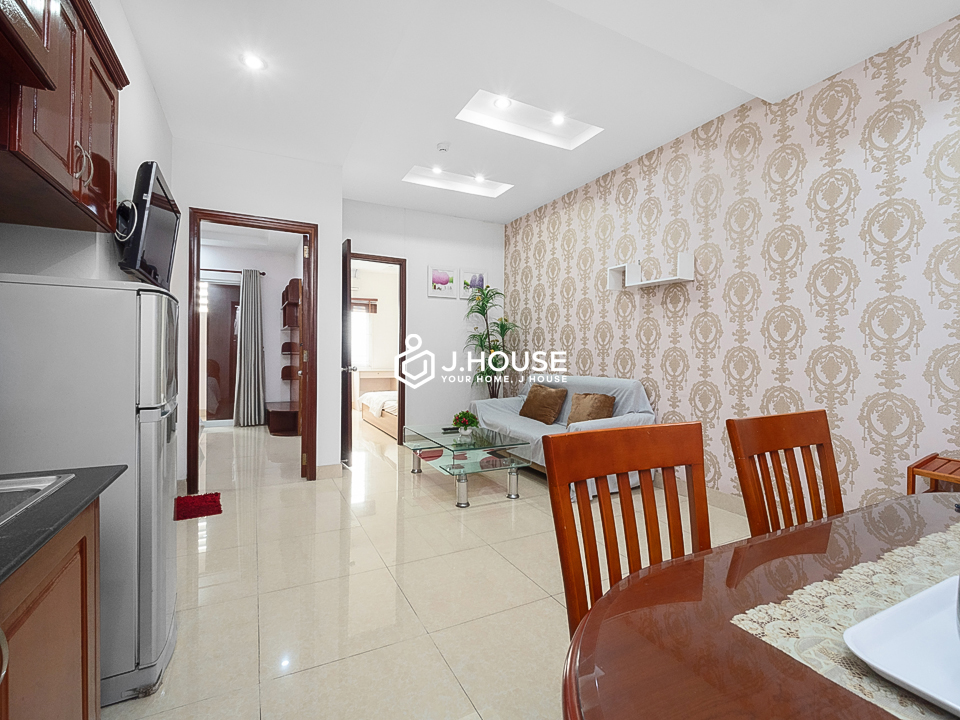 2 Bedrooms with natural light, private washing machine, balcony