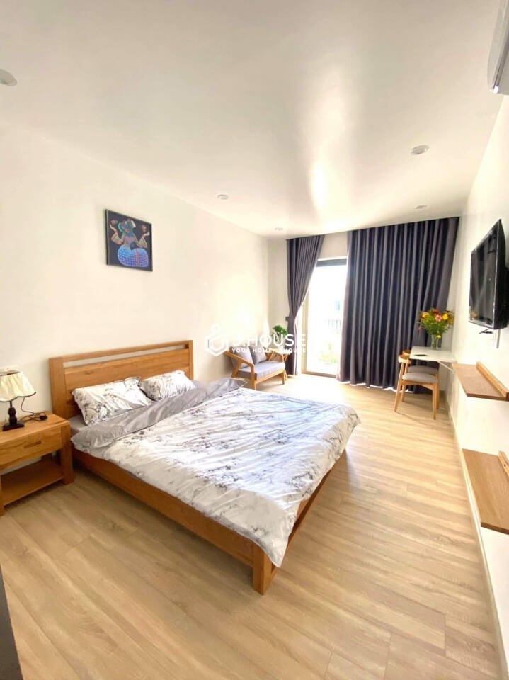 Sunny spacious studio room with balcony in Thao Dien
