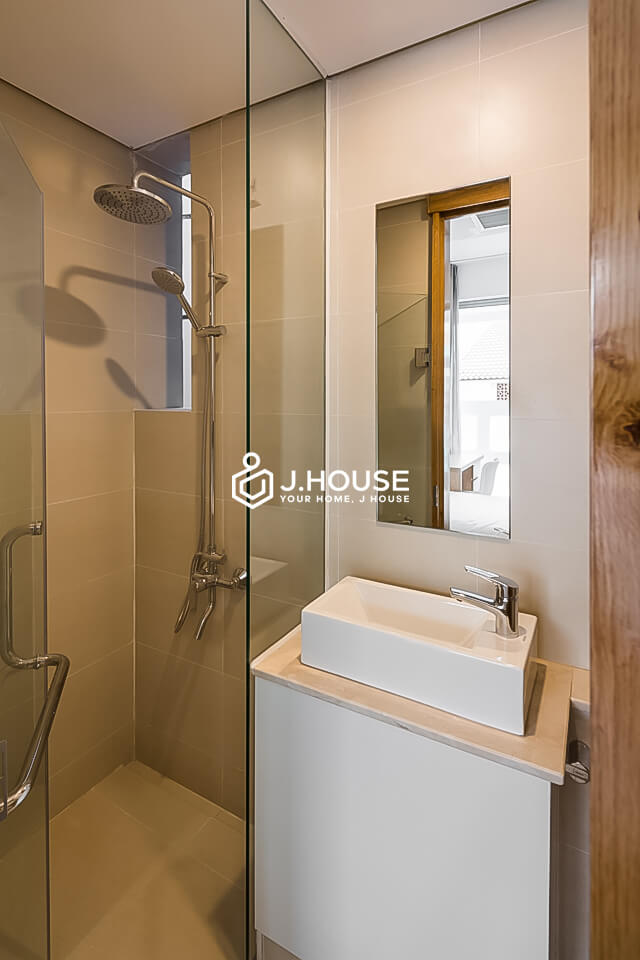 5. Family Suite 301 2BR (10)