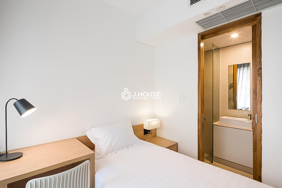 5. Family Suite 301 2BR (11)