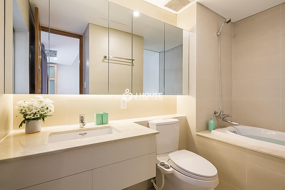 5. Family Suite 301 2BR (2)