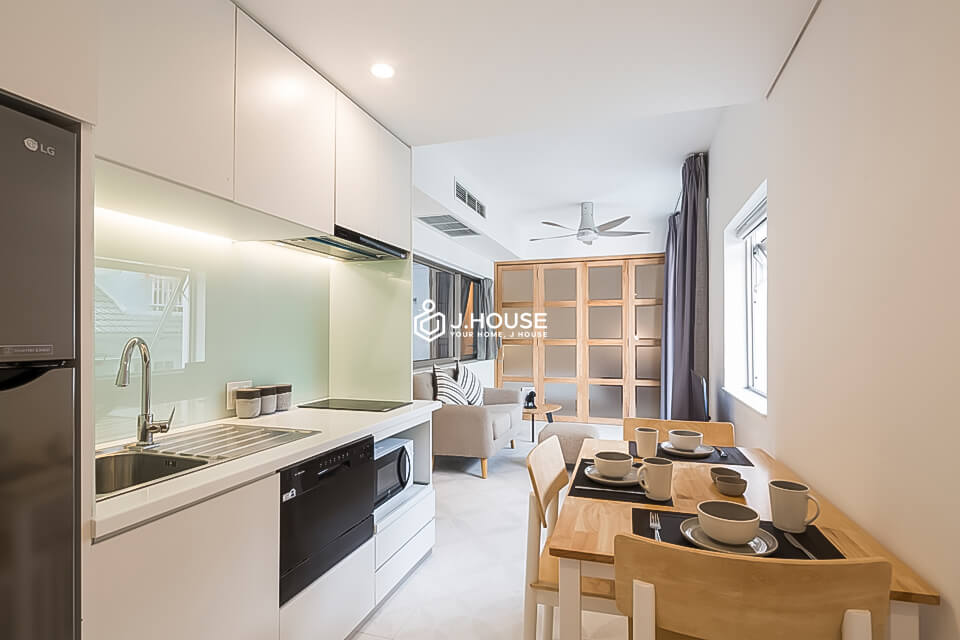 5. Family Suite 301 2BR (7)